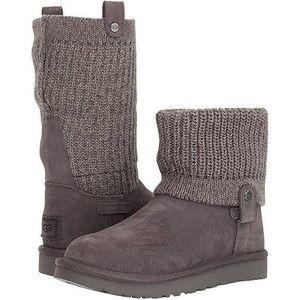 UGG Saela Knit Cuff Boot (US 3)